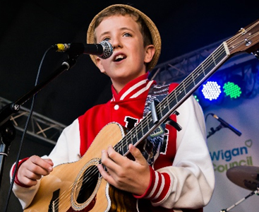 Opening the entertainment BGT star Henry Gallagher